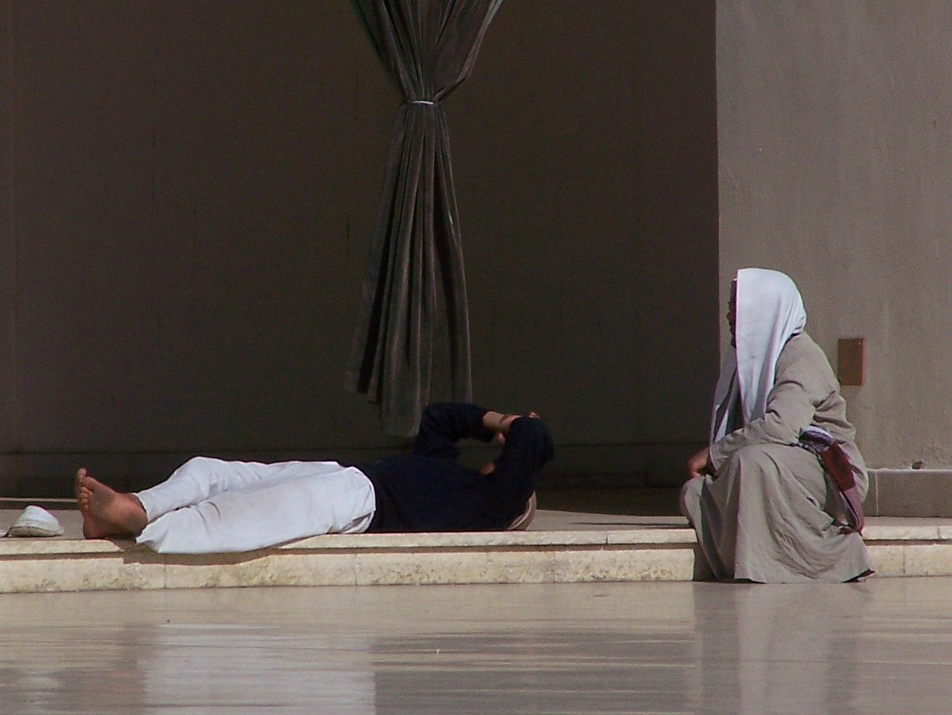 Männer in einer Moschee, Kairo
