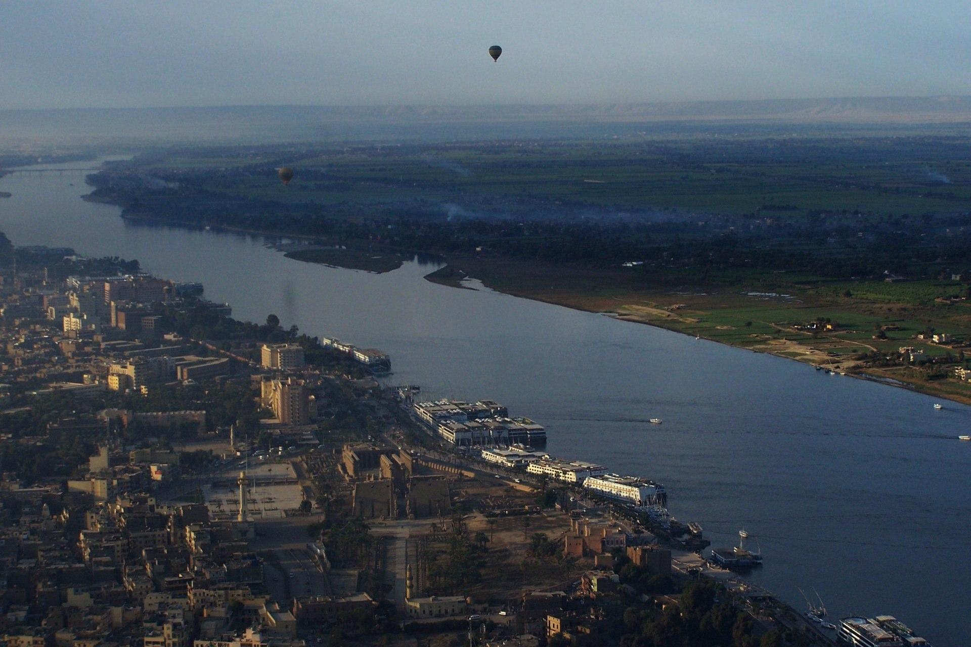Luxor Nil Vogelperspektive