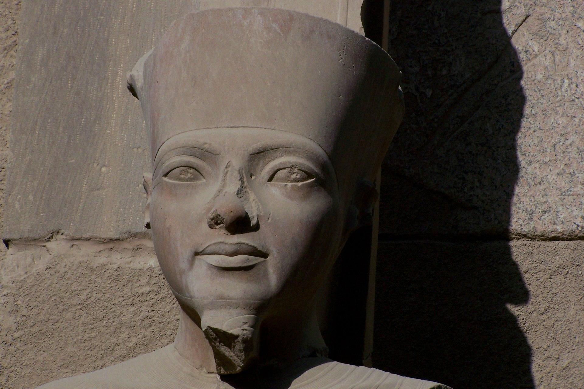 Luxor Ramses Statue
