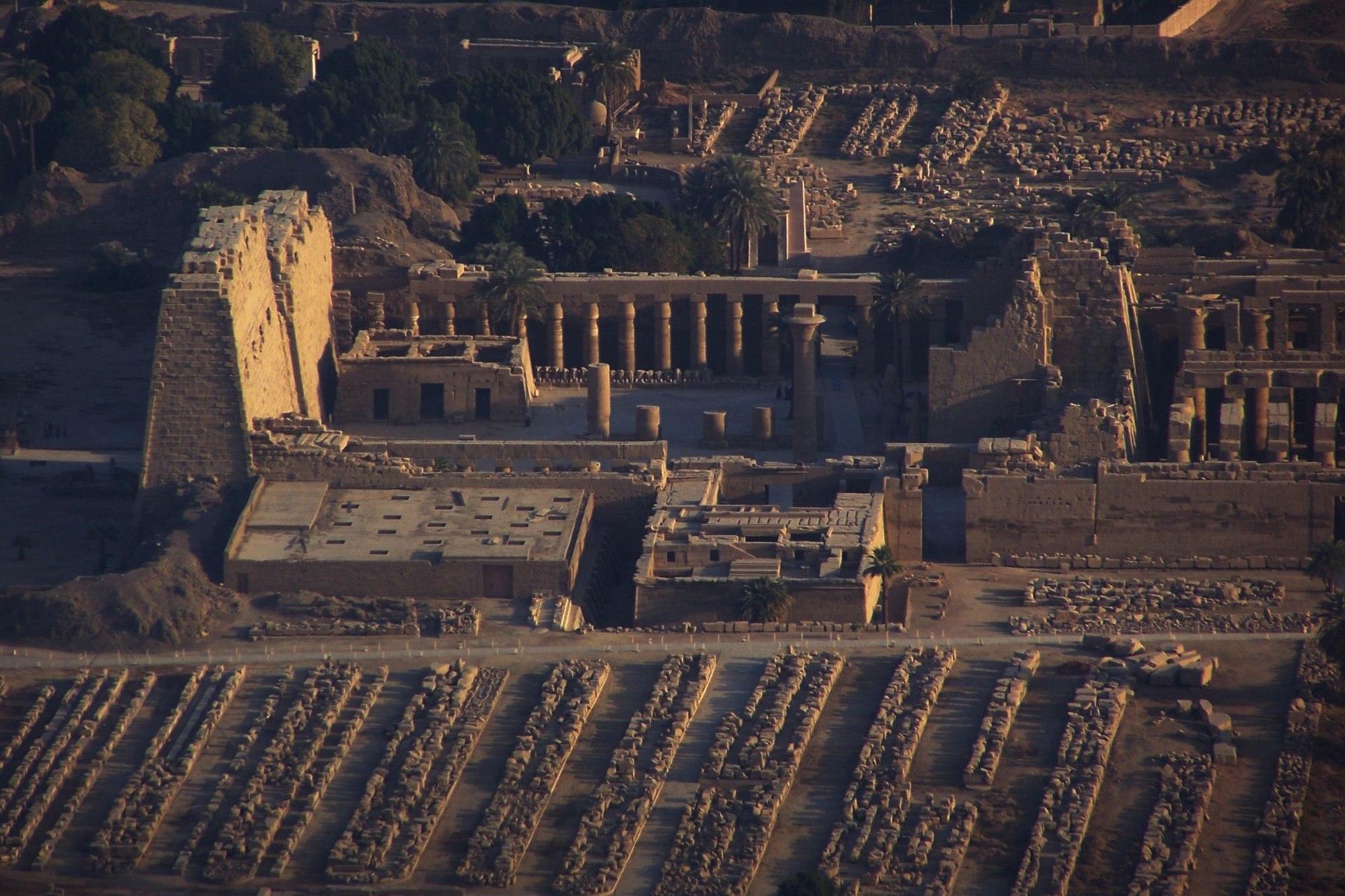 Tempel Ausgrabungen in Luxor